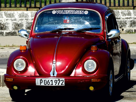 roter-vw-kafer-in-havanna