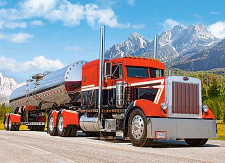 roter-truck-mit-auflieger