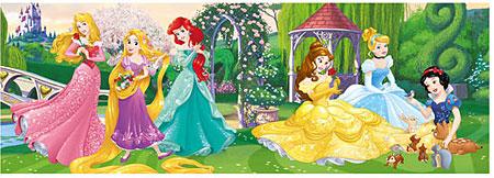 Disney Prinzessinnen - Spielen im Schlossgarten