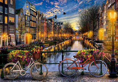 Amsterdam bei Dämmerung