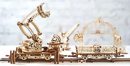 3D Holzpuzzle - Ugears - Schienen-Drehkran