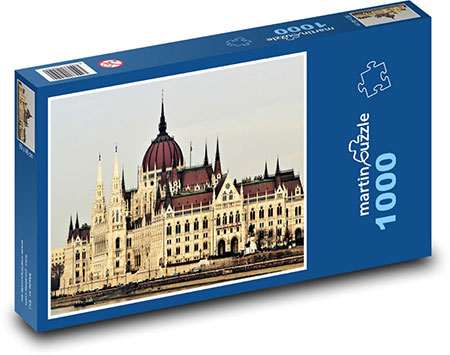 budapester-parlamentsgebaude-bei-tag