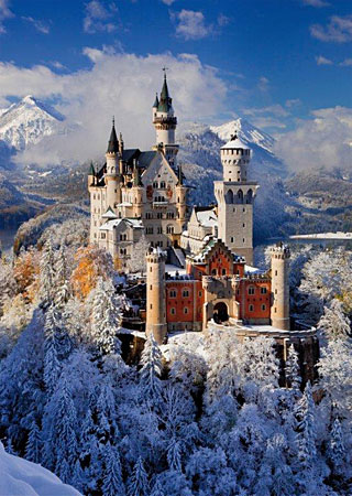 Image result for Schloss Neuschwanstein in Winter