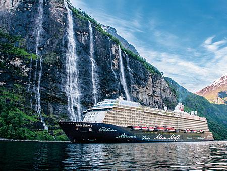 mein-schiff-4-im-fjord