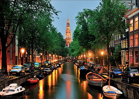 kanal-in-amsterdam
