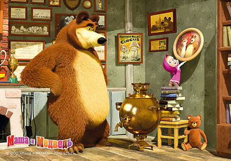 Mascha und der Bär - Beim Bild aufhängen